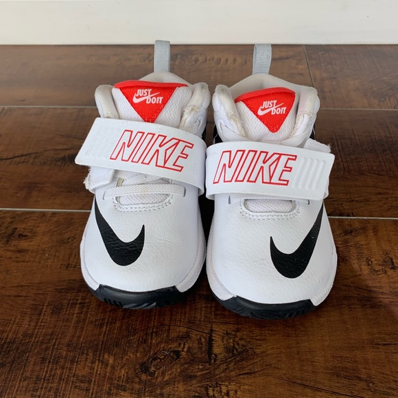 hot sale online 507d9 043de Nike Team Hustle D 8 JDI Toddler Shoe. M 5c9967f93c9844665bba9493